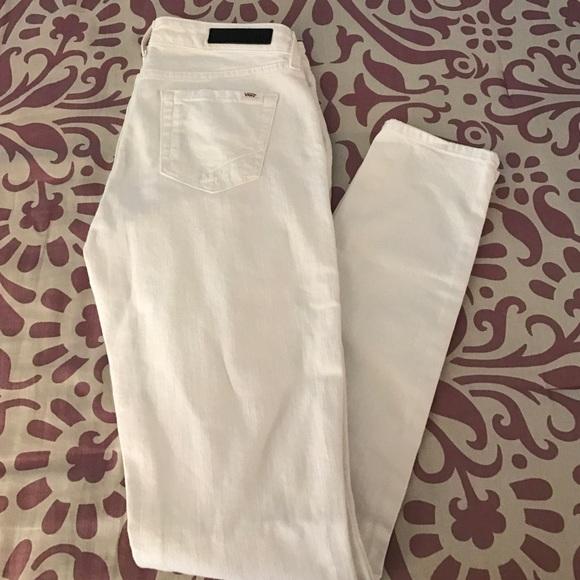 5a4af9055c8a Women s VANS White Ripped Skinny Jeans. M 58684f67522b45f55c08f21f
