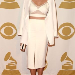 😍 Front slit pencil skirt in cream khaki