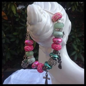 Jewelry - Green and Pink Beaded Bracelet