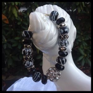 Jewelry - Black and White Hand crafted Beaded Bracelet