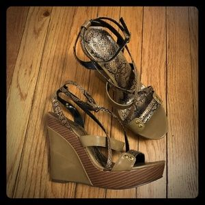 shoedazzle Shoes - Brown & Snake Print Wedges