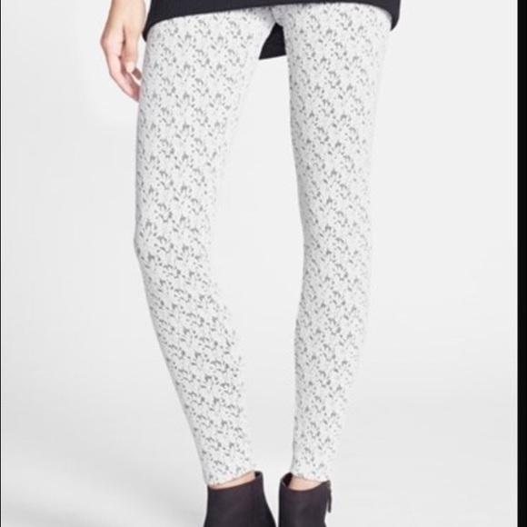 863eeec84f Mimi Chica White patterned leggings