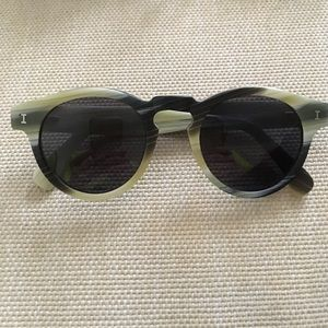 Illesteva Accessories - Illesteva Leonard sunglasses in matte horn