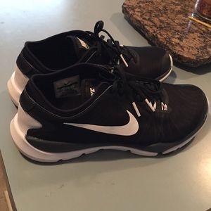 Women's Nike flex tennis shoes