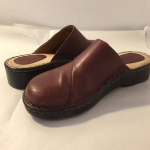 🛑Brown's Landing Leather Clog
