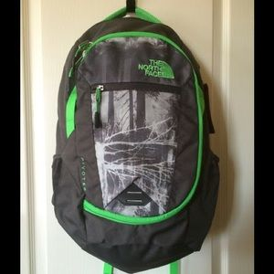 North Face Other - NWT The North Face Pivoter backpack