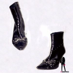 Shoes - ENZO di SIENA Black Leather Booties. 6.5