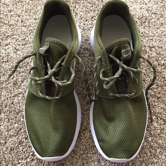 sale retailer 686b6 2e9b9 Women's Nike Roshe One Shoes size 7.5 olive green