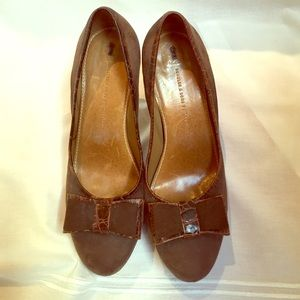Anthropologie Shoes - Anthropologie brown suede pumps