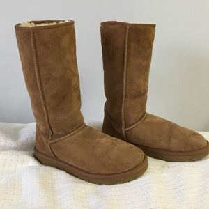 Women's size 8 UGG boots