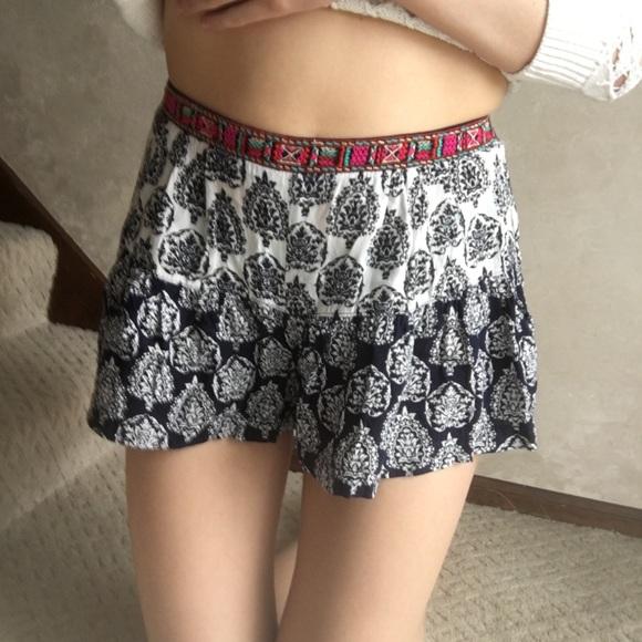 LA Hearts - ❗️LAST CHANCE❗️Adorable Flowy Patterned Shorts ...