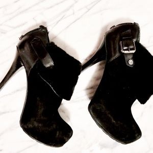 Guess Shoes - ❤⚡️SALE! Guess black heels with faux fur