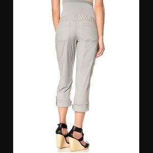 Motherhood Maternity cargo/cropped pants.