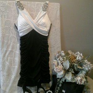 Teeze Me Dresses & Skirts - 👡Elegant Junior PROM Dress👜