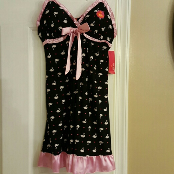 Sleepwear & Robes Jennifer Moore Intimates Nwt Black Swan Print Chemise Nightgown Pajamas Sz Xs Buy Now
