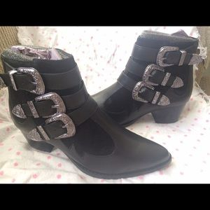 River Island Shoes - Western Leather buckle boot