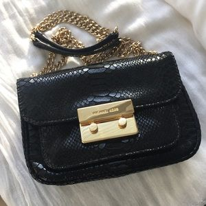 Michael Kors Sloan Small Shoulder Flap