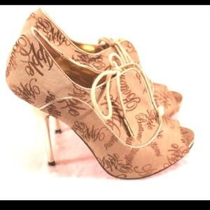 Apple Bottoms Shoes - APPLE BOTTOMS Funky Peep Toe Heels