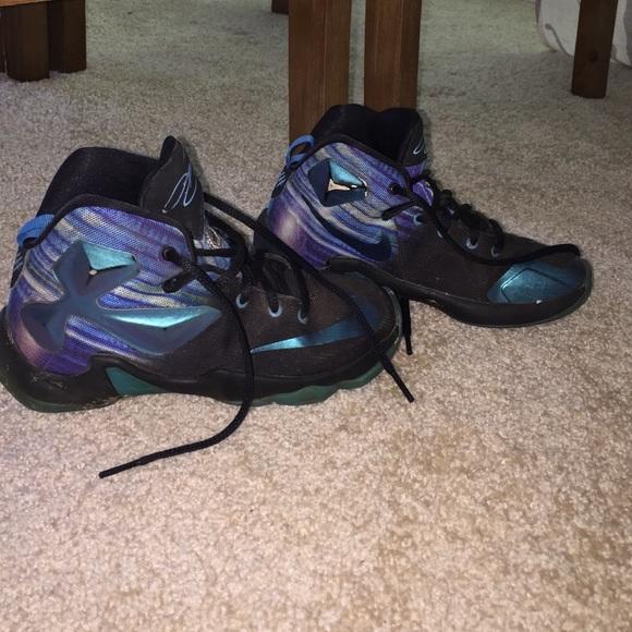 ca3abc57b892 Boys 1.5 Nike Lebron James XIII Basketball shoes. M 5869a547fbf6f9c4d802278b