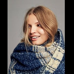 Free People Accessories - FREE PEOPLE oversized scarf