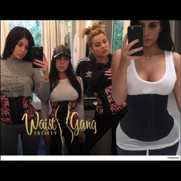 743fbd6bb2 NWT Waist Gang Society waist trainer - Med.