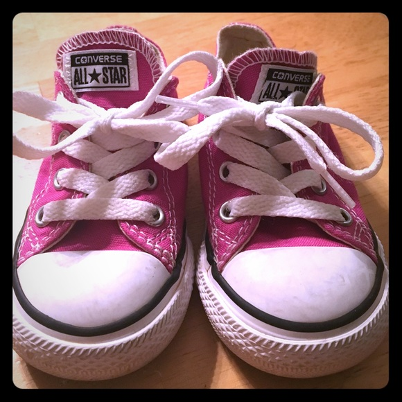 ed0190940117 Converse Other - Toddler girls Converse Pink size 6