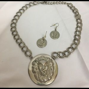 Jewelry - Lion statement piece necklace. Unique and gorgeous