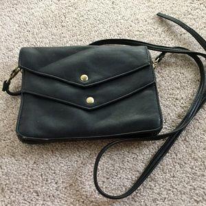 Deena & Ozzy Handbags - Black Double Flap Crossbody Purse