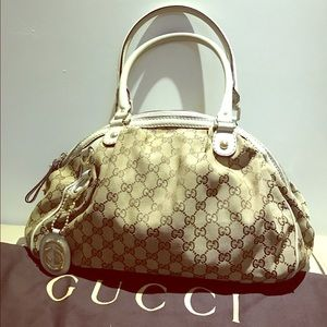 Gucci Handbags - Authentic Gucci canvas SUKEY hobo tote bag