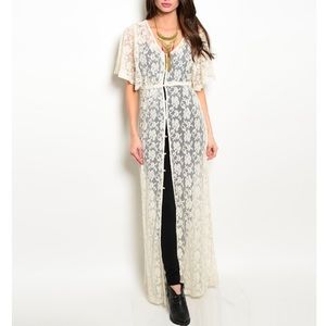 •LAST ONE• Cream Lace Vintage Style  Duster