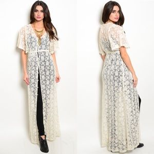 Sale!! LAST ONE! Cream Lace Vintage Style  Duster
