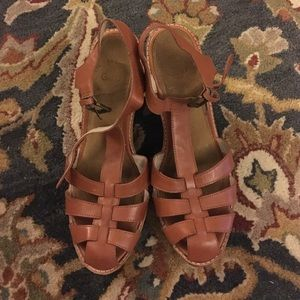 Gap Ella saddle wedge in camel brown