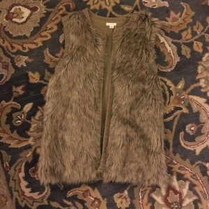 Faux fur sweater vest