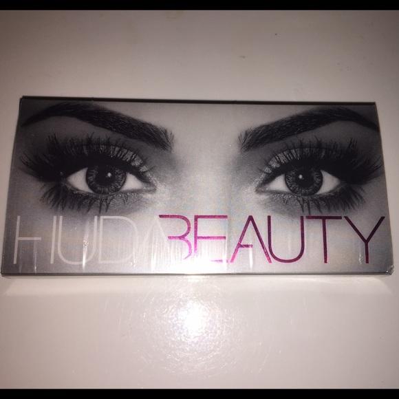 ee31e1c930f Huda Beauty Other - BRAND NEW: Huda Beauty Samantha #7 Lashes