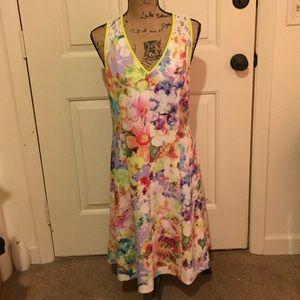 Spense Dresses & Skirts - Spense bright floral dress