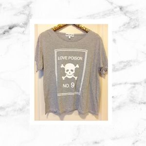 Wildfox Tops - Wildfox Love Poison No 9 Skull Tee VINTAGE💀💗