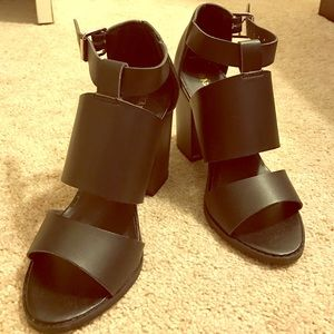 Head Over Heels Shoes - Head over Heels w Dune shoes