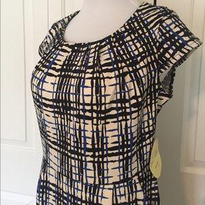 Dresses & Skirts - 🆕 NWT Short Sleeve dress size 10