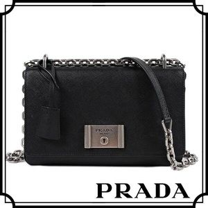Prada Handbags - Prada Chain Purse