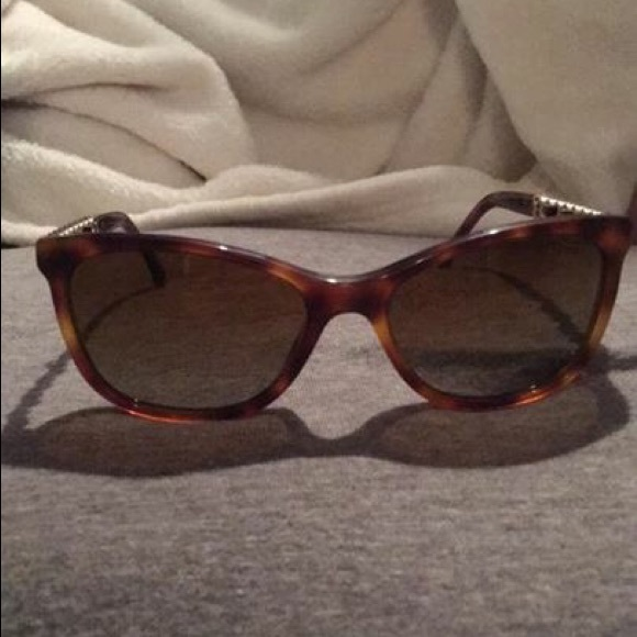 d83ff4cc3efa1 Chanel Cat eye chain Sunglasses