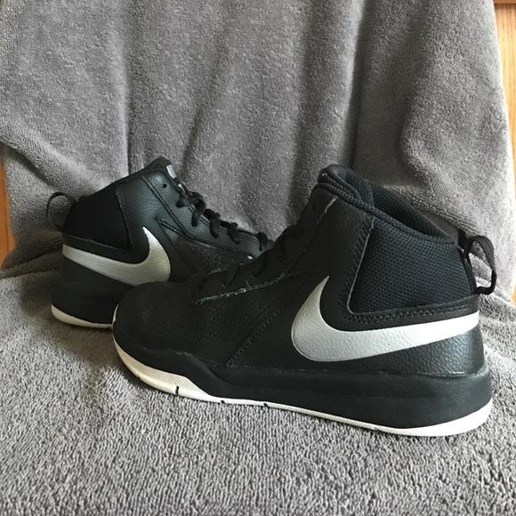 83869f8233 Boys Nike Team Hustle D7 Basketball Shoes 🏀. M_586a90f3c28456fcd7100dfa