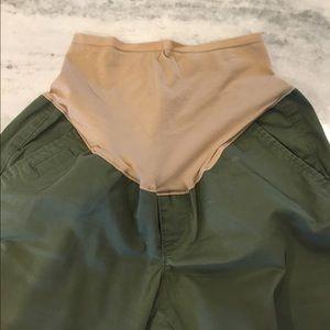 EUC • Old Navy Maternity Capri Pant • Size 2