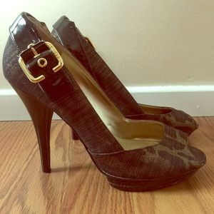 Guess peep toe heels cheetah gold prints