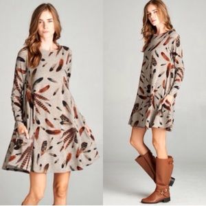 Dresses & Skirts - ❣️LAST❣️ Feather Print Fall Flowy Swing Dress