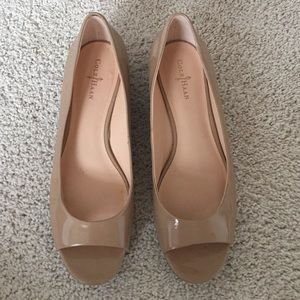 Cole Haan nude patent low wedge - size 7.5 B
