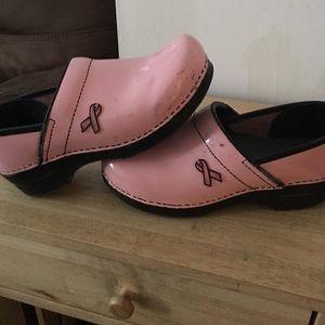 Shoes - Dansko breast cancer clogs