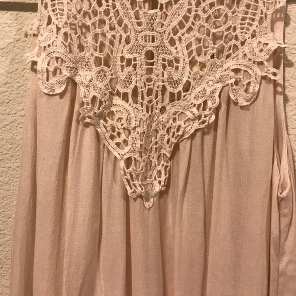 entro Dresses - NWT Entro blush pink lace dress