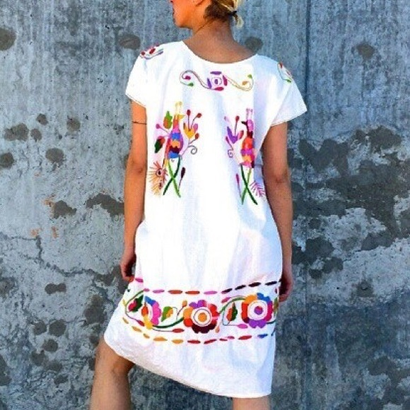 7cf52f6dd Cielito Lindo Dresses | Available Now Embroidered Mexican Dress ...