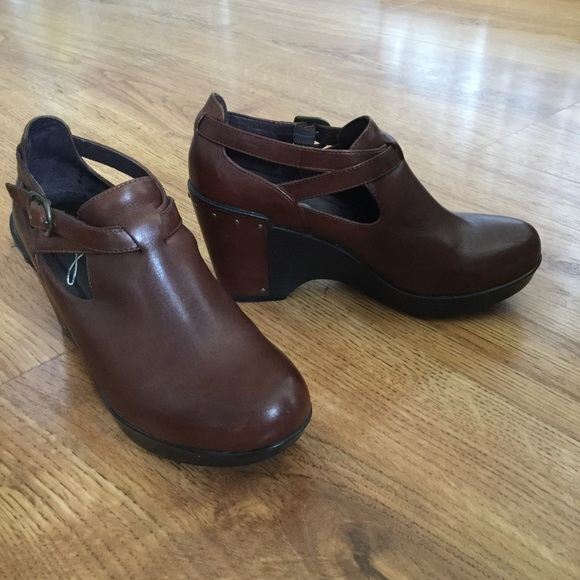 745e930110 Dansko Shoes - Dansko Franka brown wedge shoes 36   6