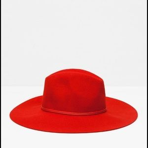 Zara Accessories - Zara red wool hat
